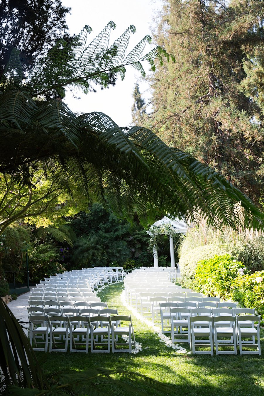 Hotel Bel Air wedding, blue Wedding, Outdoor Wedding, The Lighter Side, Hotel Bel Air, Max and Friends, Siren floral co, Minted, Found Vintage Rentals, Borrowed BLU, The Lighter Side