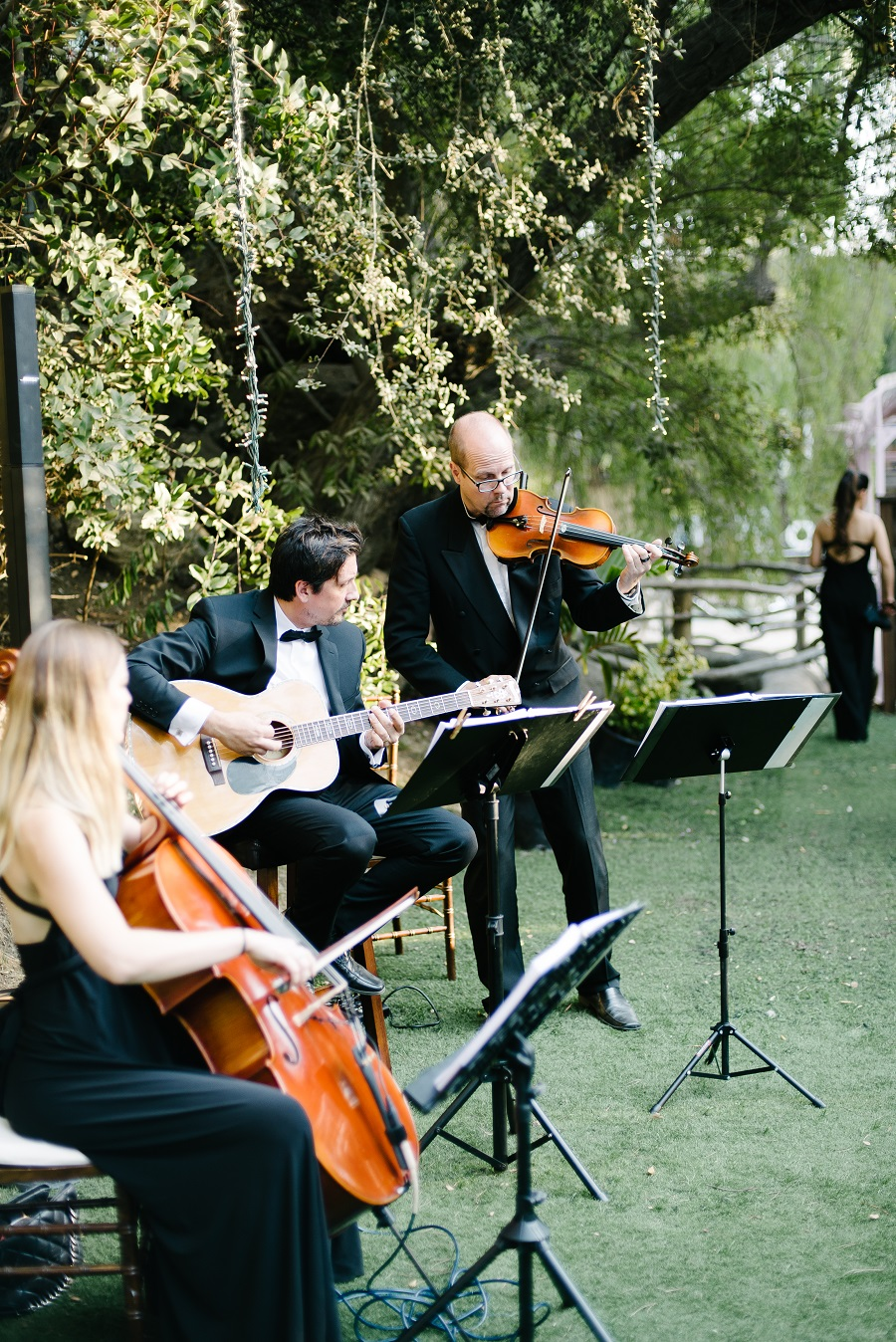 vibrantly hued wedding, calamigos ranch, bluebell events, john schnack photography, CJ Matsumoto & Sons, the lighter side