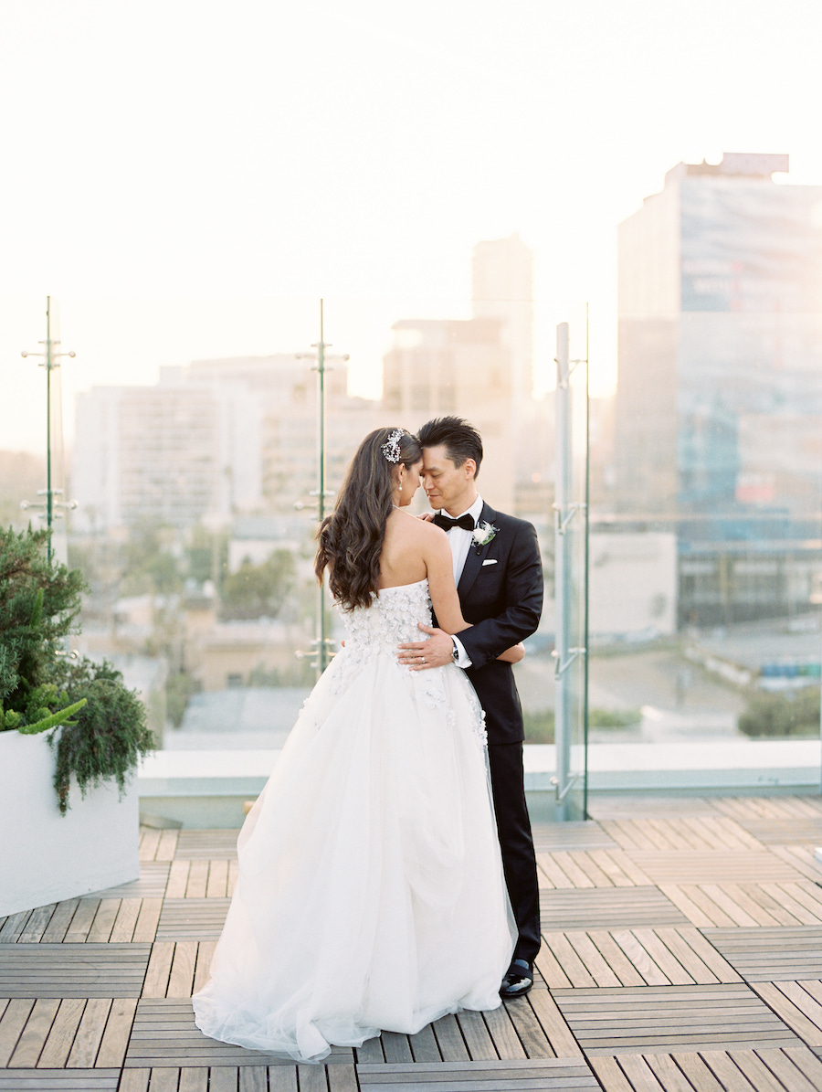 bride and groom romantic rooftop photo